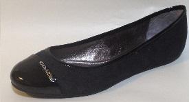 black flat dress shoe
