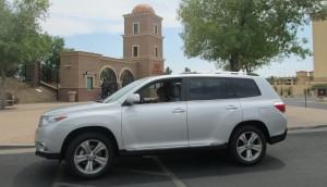 2013_Toyota_Highlander_review_Cathy_Droz_SmartFem-2