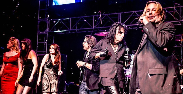 Alice Cooper's Christmas Pudding Star-Studded Event Kicks Off the Holiday Season in High Gear!