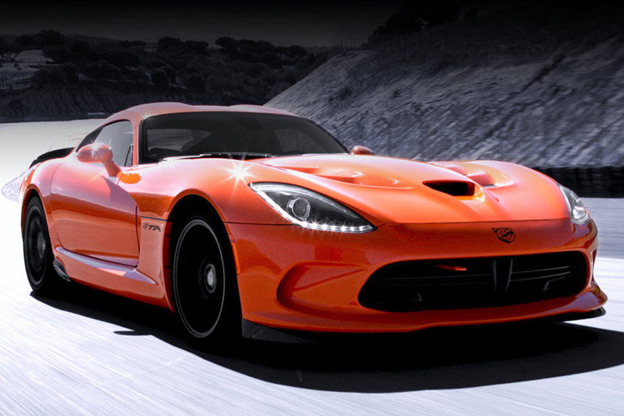 2014 SRT VIPER is Taking a Bite of the American Muscle Cars
