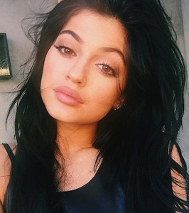 kylie-jenner-lips-photo