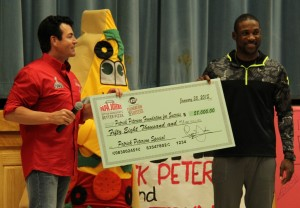 Papa Johns donates to Patrick Peterson Foundation for Success