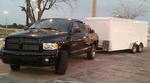 Dodge Ram 1500 hauling