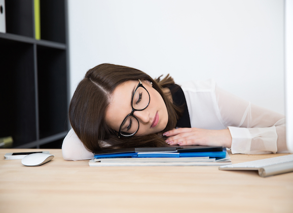 why napping at work pays off smartfem magazine