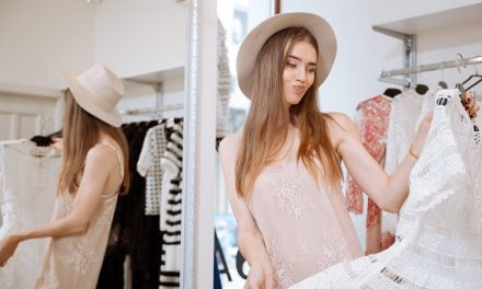 5 Things Resale Shops Look for When Buying Your Clothes