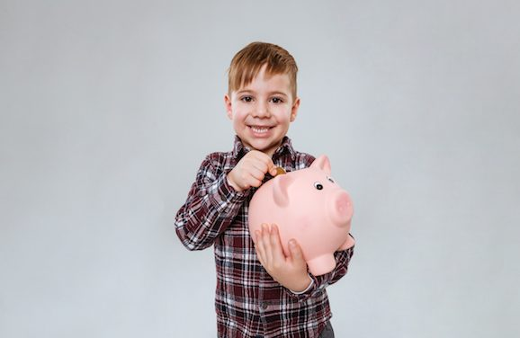 How Setting Budgets Can Teach Your Kids About the Value of Money