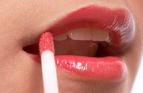 The Common Ingredient In Your Chapstick You Might Be Allergic To
